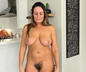 Naked hairy women pics